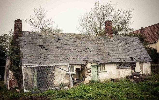 Dům opuštěný v roce 1956 je stále plný jídla a věcí dávno mrtvých obyvatel