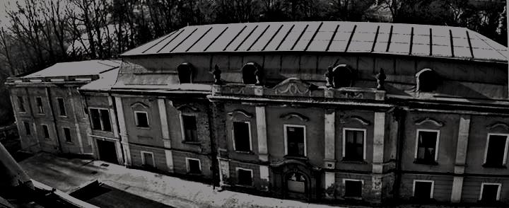 Opuštěné onkologické centrum v Paskově