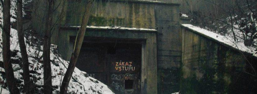 Podzemní nacistická továrna