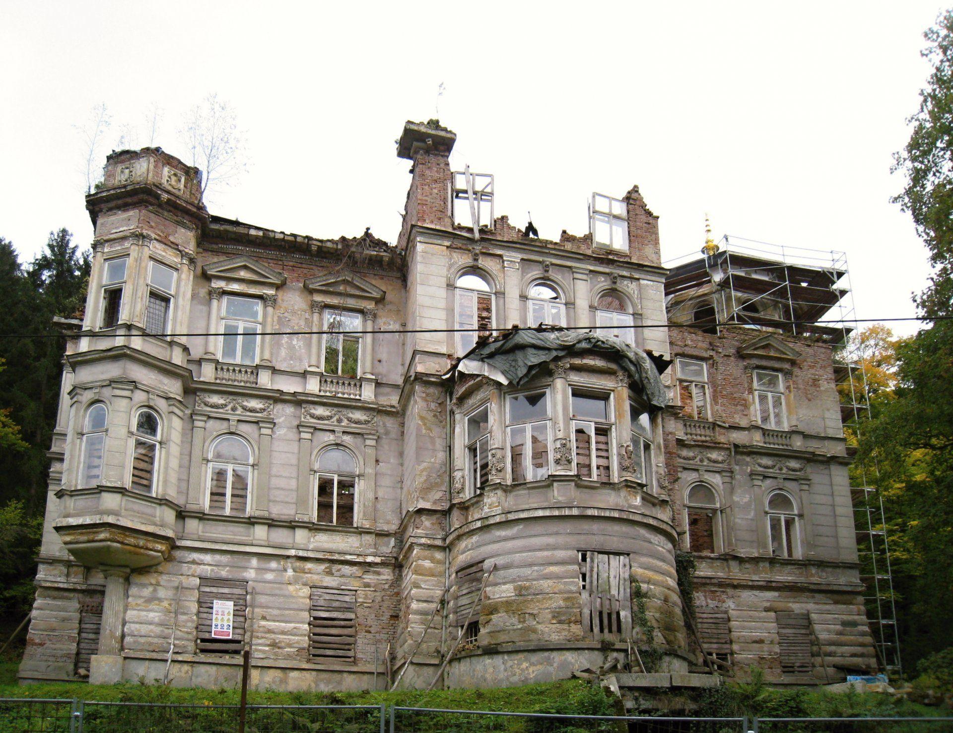 Mattoniho vila, Kyselka