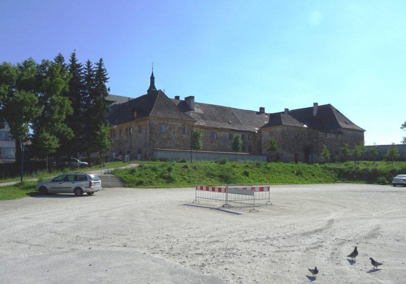 Františkánský klášter; Jindřichův Hradec