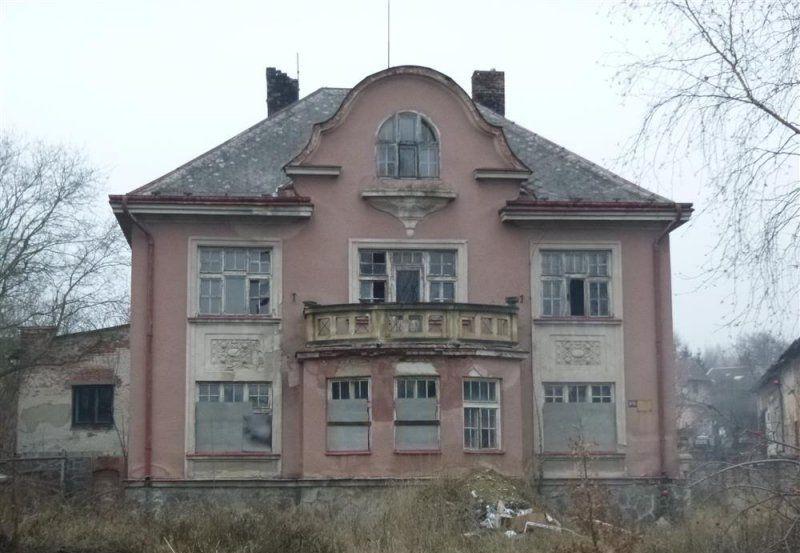 Vila Třebízského 876, Chrudim